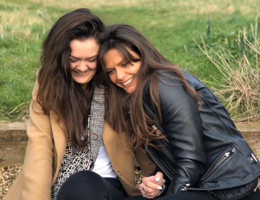 dannielle aka the heartled and hollie-ella two brunettes smiling together